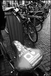 VUE EN HOLLANDE        Zut ! Il Pleut.....